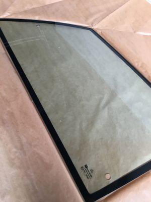 Citroen AX (3-deurs) zijruit rechtsachter NIEUW EN ORIGINEEL 96112170